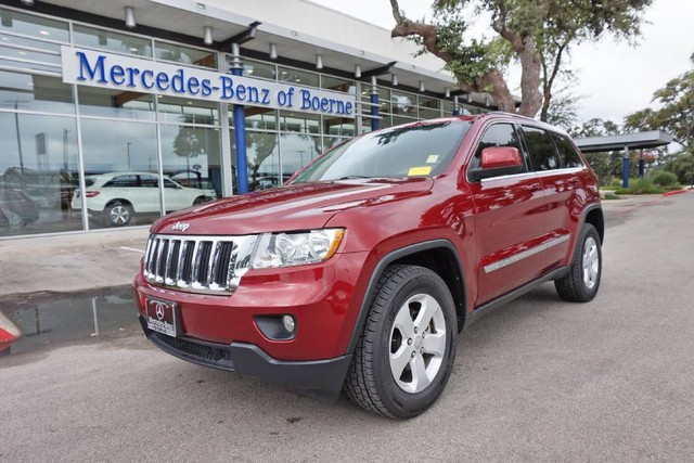 Pre Owned 2013 Jeep Grand Cherokee Laredo Altitude